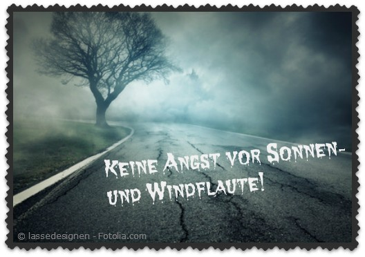 Dunkle Straße ohne Wind und Sonne
