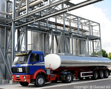 LKW transportiert Zellulose-Ethanol