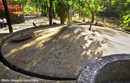 Biogasanlage von oben in Indien Biogas plant in india