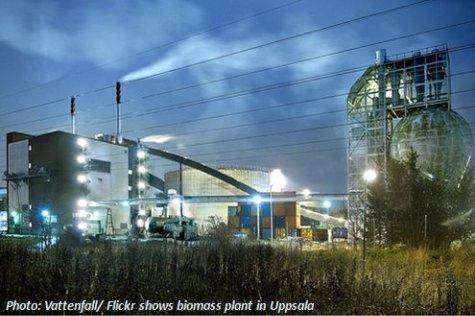 Biomasseheizkraftwerk BHKW bei Nacht in Schweden von Vattenfall